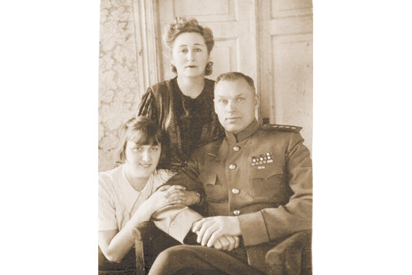 Константин Рокоссовский с семьей